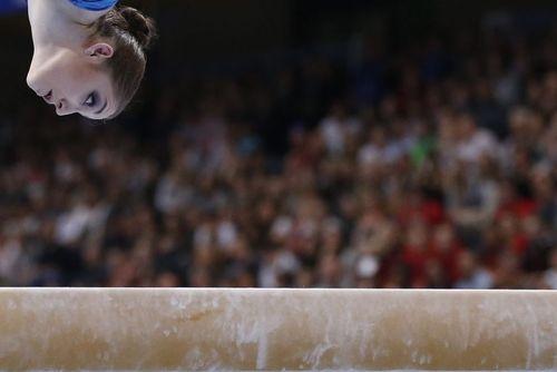 آلیا موستافینا نماینده روسیه در مسابقات قهرمانی ژیمناستیک هنری اروپا در شهر برن سوییس