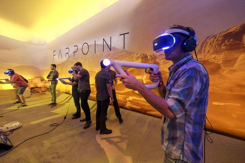 نمایشگاه سرگرمی های الکترونیک – لس آنجلس آمریکا