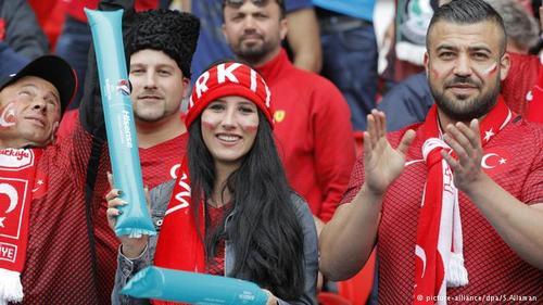 تیم ملی ترکیه نیز یکی از شرکتکنندگان در این دوره از مسابقات است. ملیپوشان ترکیه علیرغم حمایت هواداران خود در پیکار مقابل کرواسی عملکرد موفقی نشان ندادند و در نهایت نیز یک بر صفر از حریف شکست خوردند.