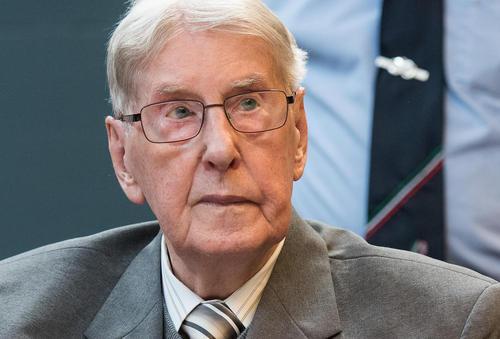 رینولد هانینگ افسر سابق 94 ساله