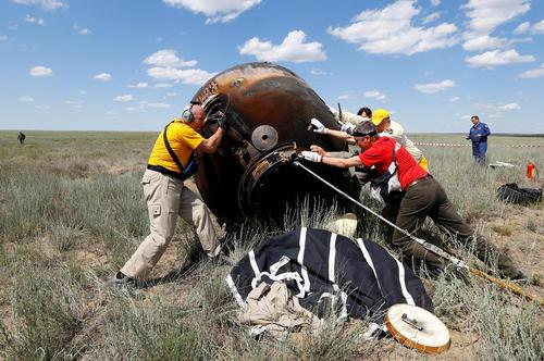بازگشت فضا نورد انگلیسی از فضا – قزاقستان