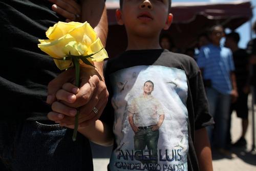 مراسم تشییع آنجل کاندلاریو یکی از 49 قربانی حادثه تیراندازی در اورلاندو آمریکا در شهر زادگاهش گوآنیکا در پورتوریکو