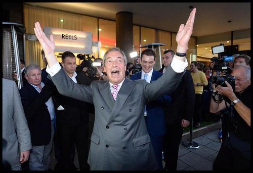 شادمانی رهبر حزب استقلال بریتانیا از نتیجه همه پرسی جدایی انگلیس از اتحادیه اروپا