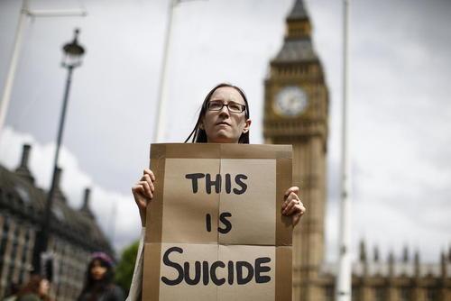 اعتراض اروپا خواهان به نتیجه همه پرسی اخیر در بریتانیا – مقابل کاخ وست مینستر در لندن