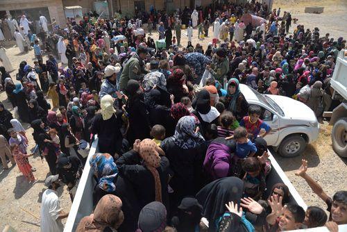 گریختگان از دست خشونت داعش در جنوب موصل - عراق