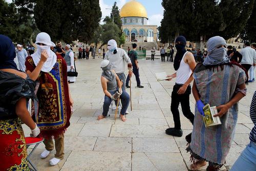 اعتراض جوانان فلسطینی به بسته شدن مسجد الاقصی
