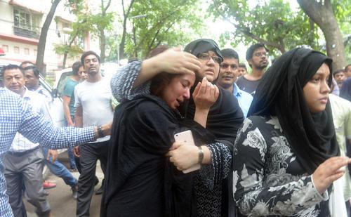 اضطراب و وحشت در خانواده های قربانیان گروگانگیری خونین در داکا
