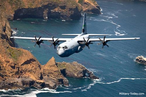 لاکهید مارتین سی-۱۳۰جی سوپر هرکولیک هواگرد ساختِ کارخانه لاکهید مارتین در کشور ایالات متحده آمریکا است که در سال ۱۹۹۶ ساخته شد. نخستین استفادهکنندهٔ این هواگرد نیروی هوایی ایالات متحده آمریکا بودهاست. این هواگرد برای نخستین بار در ۵ آوریل ۱۹۹۶ میلادی مورد استفاده قرار گرفت.