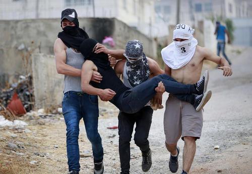 اعتراضات ضد اسراییلی جوانان فلسطینی در کرانه غربی
