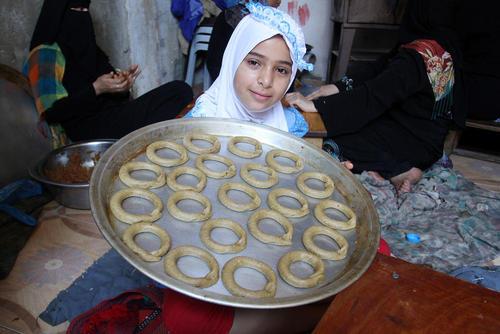 درست کردن نان های خانگی مخصوص ماه رمضان – غزه