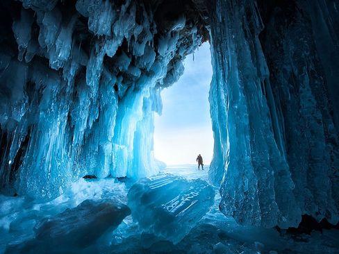 یک غار یخی در سیبری روسیه