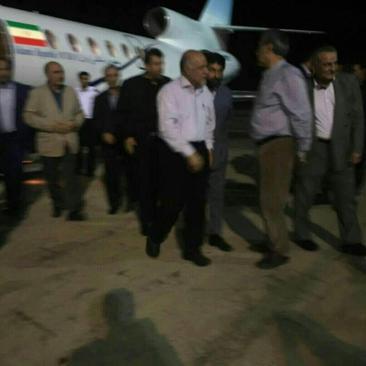 ورود بیژن زنگنه وزیر نفت به فرودگاه ماهشهر