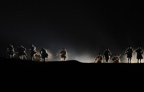نمایش آئینی برای گرامیداشت 100 سالگی درگیری وردان در فرانسه