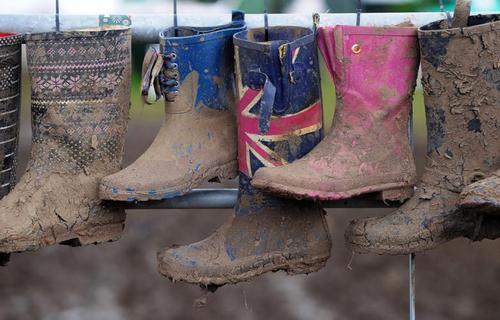 جشنواره گلاستنبری در جنوب غربی انگلیس (خبرگزاری فرانس)