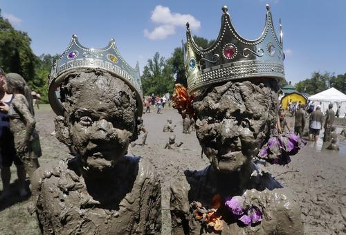 جشنواره شاه و ملکه گِلی در وست لند آمریکا