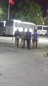 کودتاچیان بازداشت شده ترکیه توسط پلیس