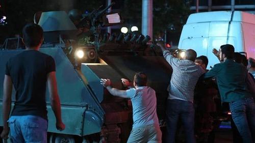 ترکیه /رویارویی مردم و کودتاچیان