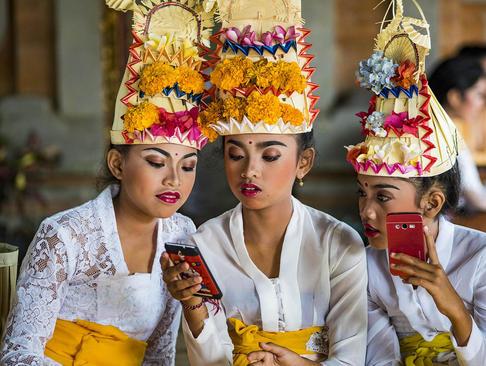 آیین سالگرد تاسیس یک معبد بزرگ هندوها در بالی اندونزی