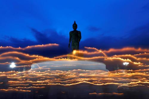 جشنواره آیینی بودایی ها – تایلند