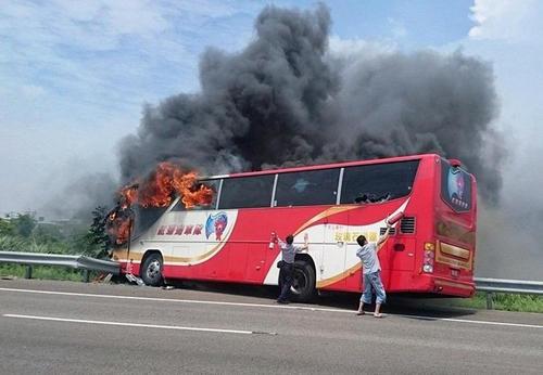 کشته شدن 26 گردشگر چینی در جریان آتش سوزی یک اتوبوس مسافربری در تایوان