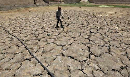 خشک شدن زمین های کشاورزی – احمد آباد هند