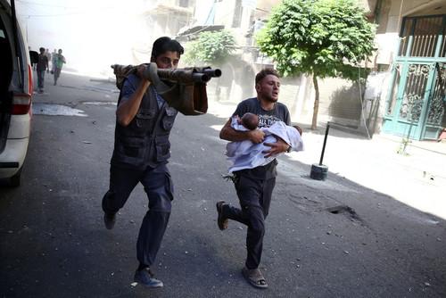 حمله هوایی به شهر دوما در سوریه
