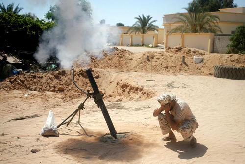 نبرد نیروهای دولتی لیبی علیه داعش در حومه شهر سرت