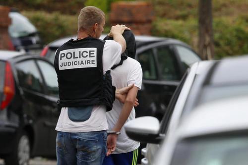 دستگیری یک مظنون به همدستی با عوامل حمله و گروگانگیری در کلیسایی در فرانسه