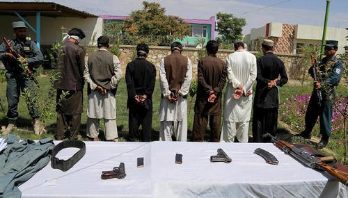 دستگیری 7 شبه نظامی طالبان در شهر غزنی افغانستان
