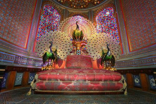 بازسازی تخت طاووس