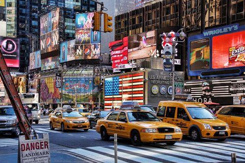 تاکسی های زرد در شهر نیویورک- آمریکا