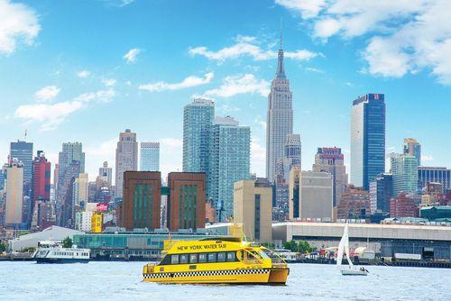 کشتی تاکسی در رودخانه هادسون نیویورک- آمریکا