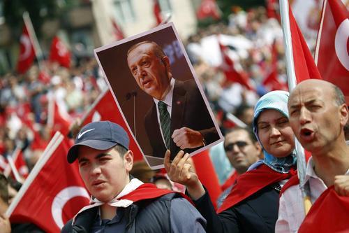 گردهمایی 20 هزار نفری حامیان اردوغان در محکومیت کودتا در شهر کلن آلمان