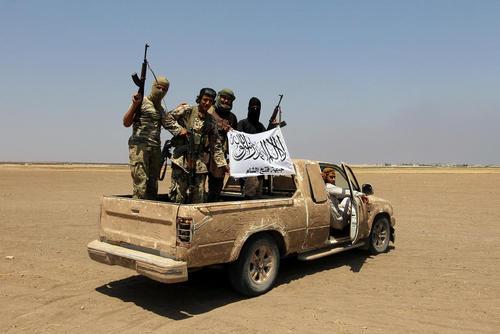 اعضای گروه تروریستی جبهه فتح الشام (جبهه النصره سابق) در شهر ادلب سوریه