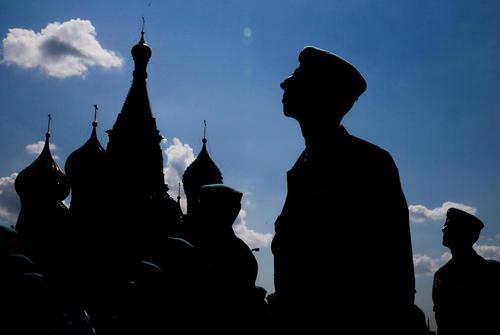 جشن روز چتر بازان در مسکو