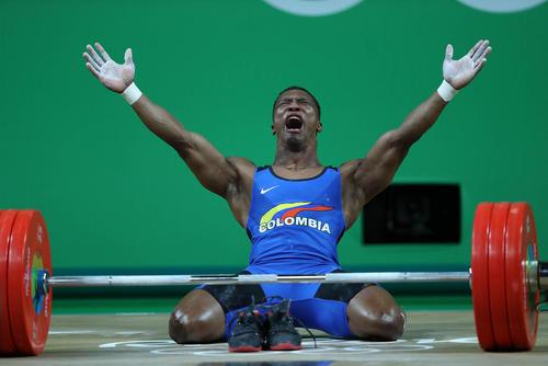 شادمانی وزنه بردار کلمبیایی از کسب مدال طلای المپیک در وزن 62 کیلوگرم این رشته