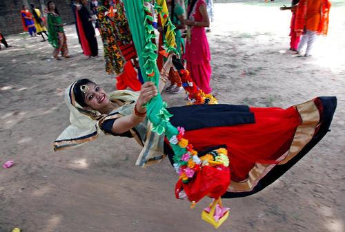 تاب بازی در جشنواره سنتی تیج در چاندیگار هند