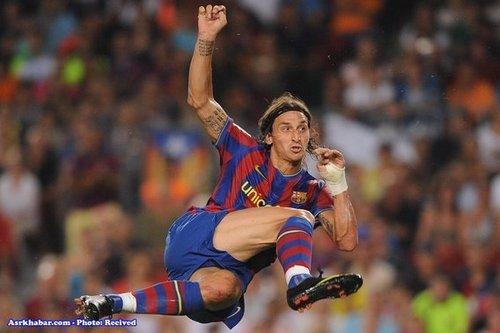 زلاتان ابراهیمویچ بازیکن بارسلونا که برایش 57 میلیون یورو هزینه شده است