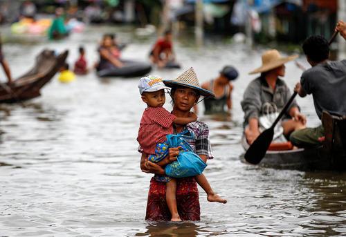 سیل در میانمار