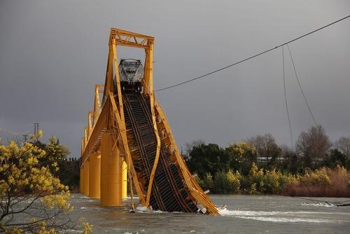فروریختن یک پل در شیلی