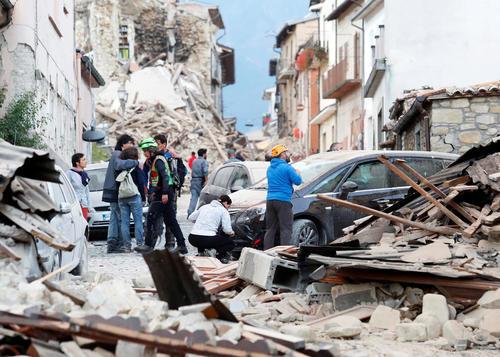 ویرانی های ناشی از زلزله 6.2 ریشتری در شهر آماتریس در مرکز ایتالیا