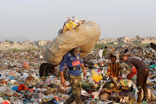جمع کردن زباله – حومه بغداد