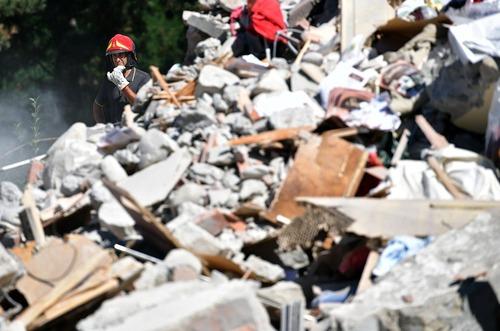 امداد رسانی به زلزله زدگان ایتالیا