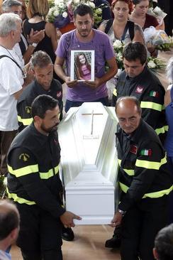 مراسم تشییع پیکرجمعی قربانیان زلزله اخیر در ایتالیا – رم