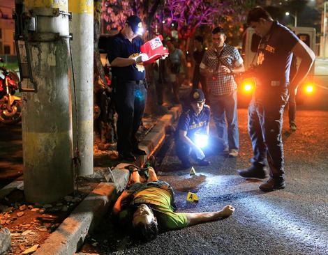 کشته شدن قاچاقچیان مواد مخدر به ضرب گلوله نیروهای پلیس فیلیپین – مانیل