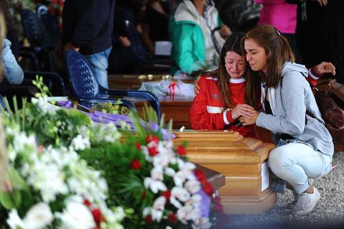 مراسم تشییع پیکر قربانیان زلزله در شهر آماتریجه ایتالیا