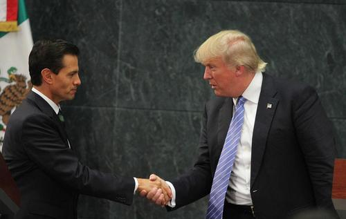 دیدار دونالد ترامپ نامزد جمهوریخواهان در انتخابات ریاست جمهوری آمریکا با رییس جمهور مکزیک در شهر مکزیکوسیتی