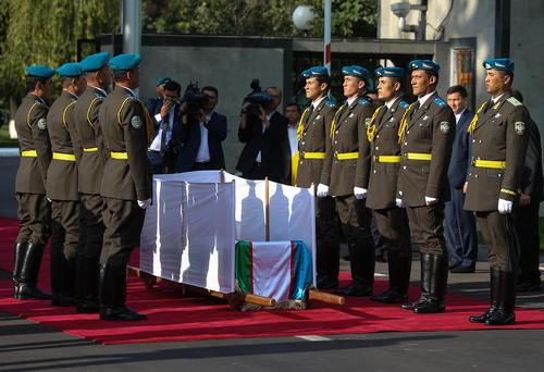 مراسم تشییع پیکر اسلام کریم اف رییس جمهور فقید ازبکستان در شهر سمرقند