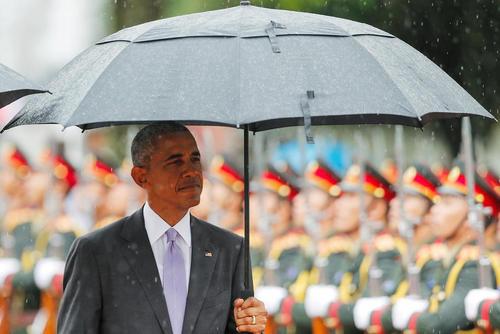 مراسم استقبال رسمی از باراک اوباما در کاخ ریاست جمهوری در شهر وینتیان لائوس