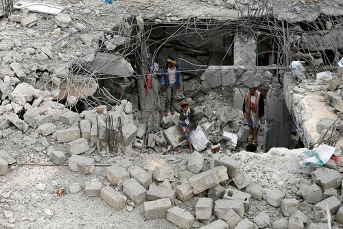 حمله جنگنده های سعودی به یک خانه در شهر عمران یمن